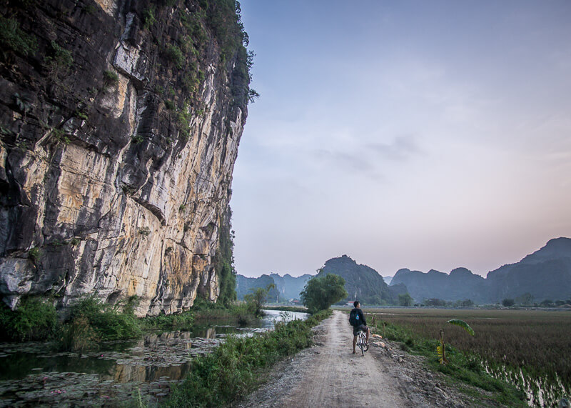 ninh binh travel blog - limestone cliffs