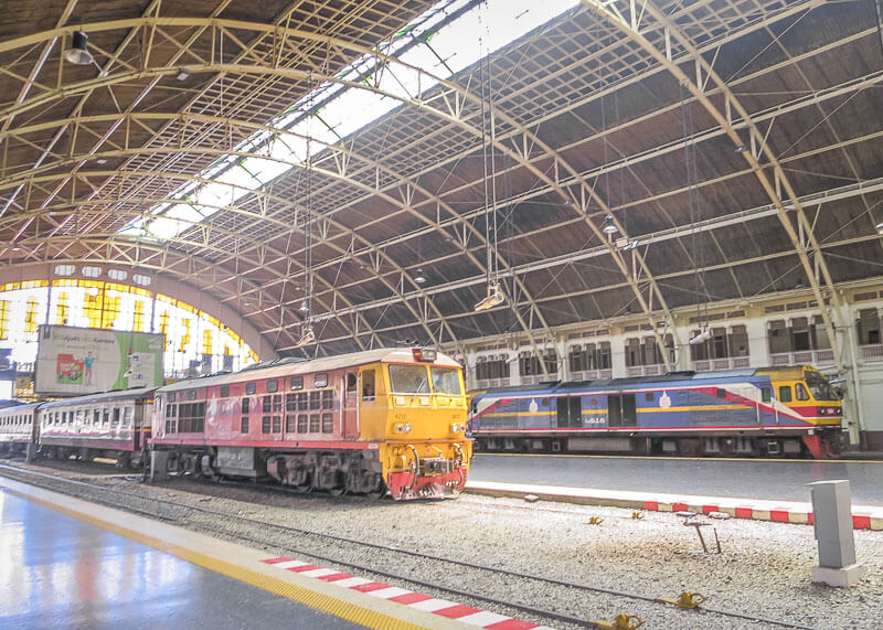 This Is What The Bangkok Train Station Looks Like (Aka Hua Lamphong Station)