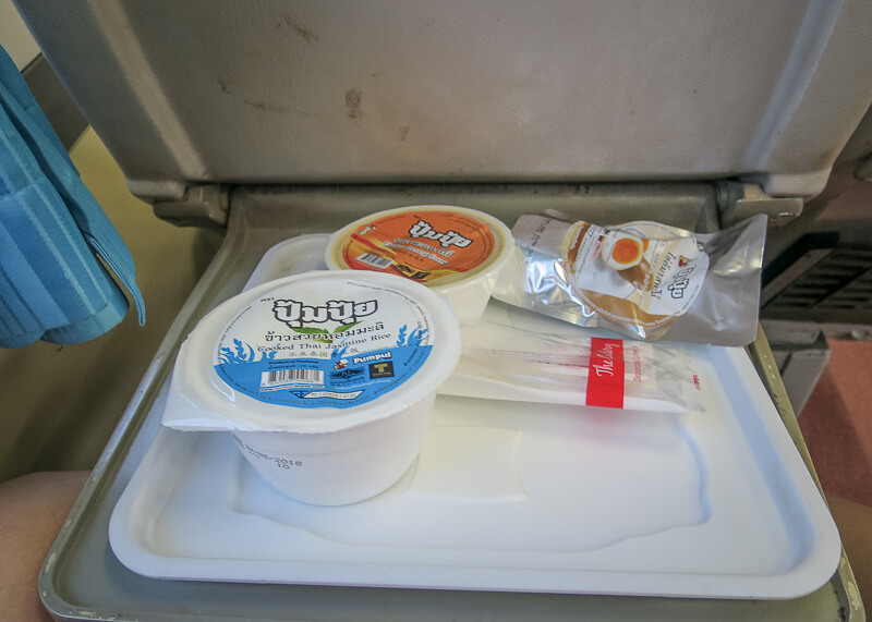 bangkok to ayutthaya train - food on train