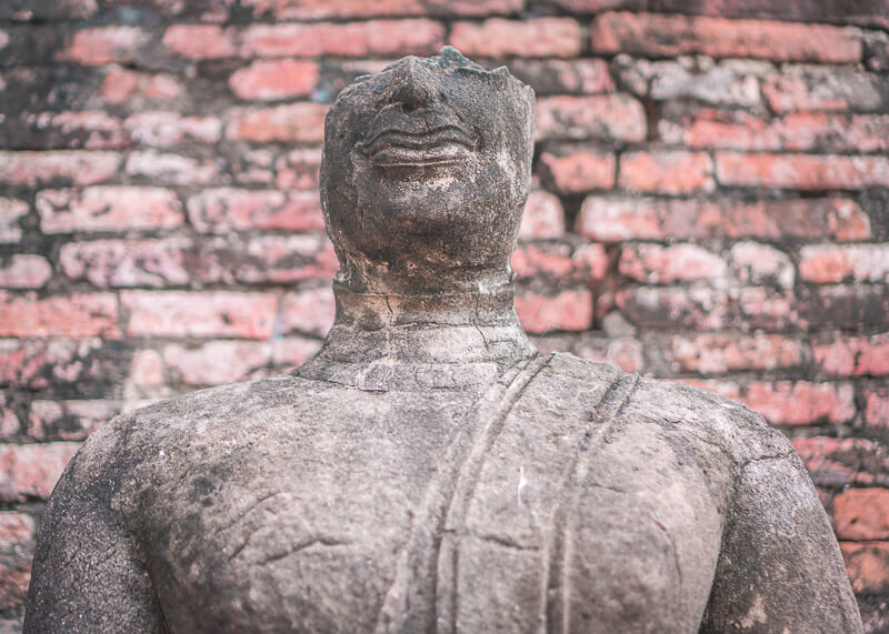 The Best Way To Visit Ayutthaya Historical Park | Learn insider tips about Ayutthaya to make your trip awesome. Find photography ideas on what to include in your itinerary for your travel. Learn why you should spend more than one day in Ayutthaya Thailand things to do in this city. #travel #destinations #thailand #culturetravel #Ayutthaya #slowtravel #wanderlust #romantictravel #thailandtravel | culture travel | Romantic travel | Thailand travel | Honeymoon | Asia Travel | Round the world trip